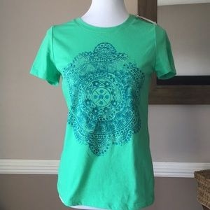 Tops - XS graphic T NWT